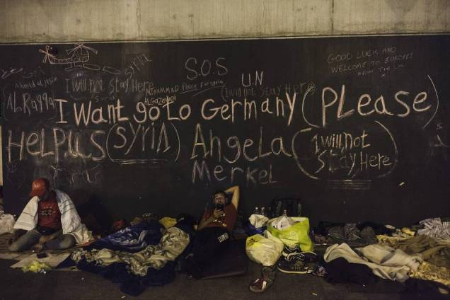 refugiados_cartel_alemania_peque (1)